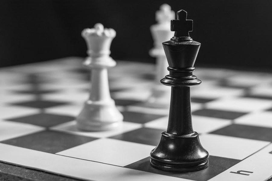 darwyn2-4-2015-stalemateblackandwhite-bw-game-monochrome-35mm-nikon-king-chess-queen-rogue-speedlight-chessboard