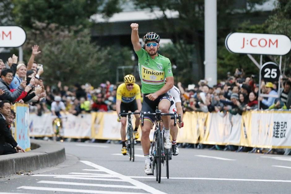 Le Tour de France Saitama Criterium 2016 - 29/10/2016 - Saitama - Japon - Main Race - Arrivée - Peter Sagan, Tinfoff, Vainqueur, Sho Hatsuyama, Bridgestone-Anchor, 2ème place, Christopher Froome, Team Sky, 3ème place