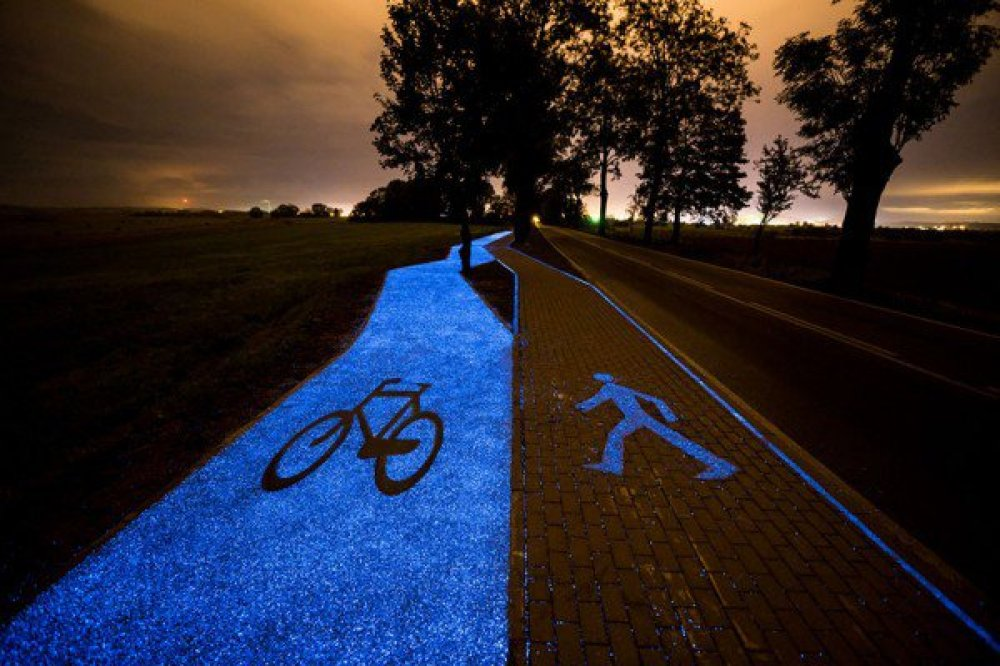 glow-in-the-dark-bike-path-600x400