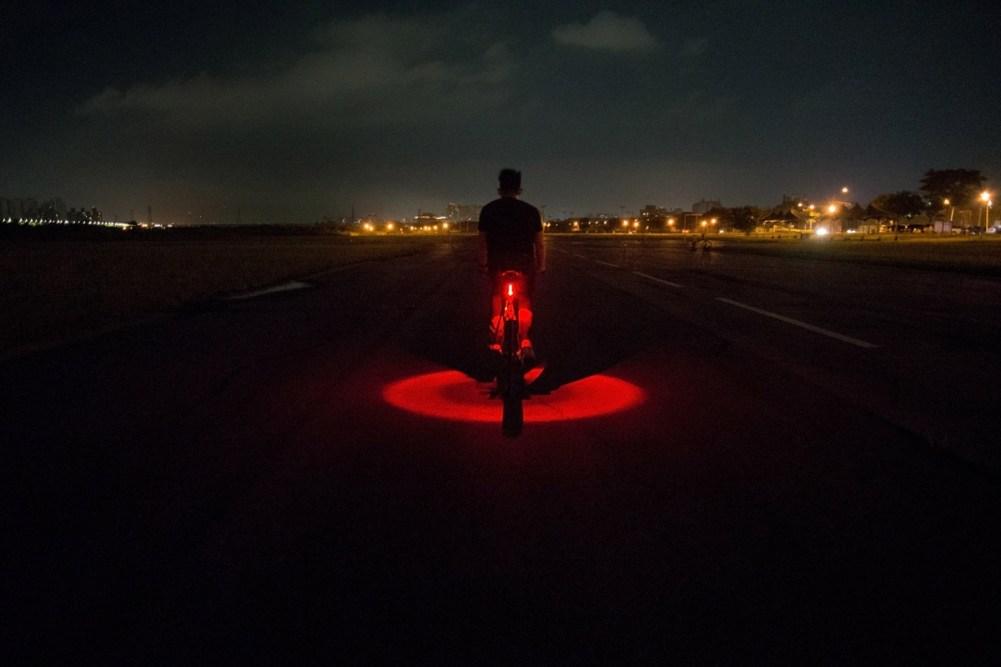 tn-vizy-light-lifestyle-ride-rear