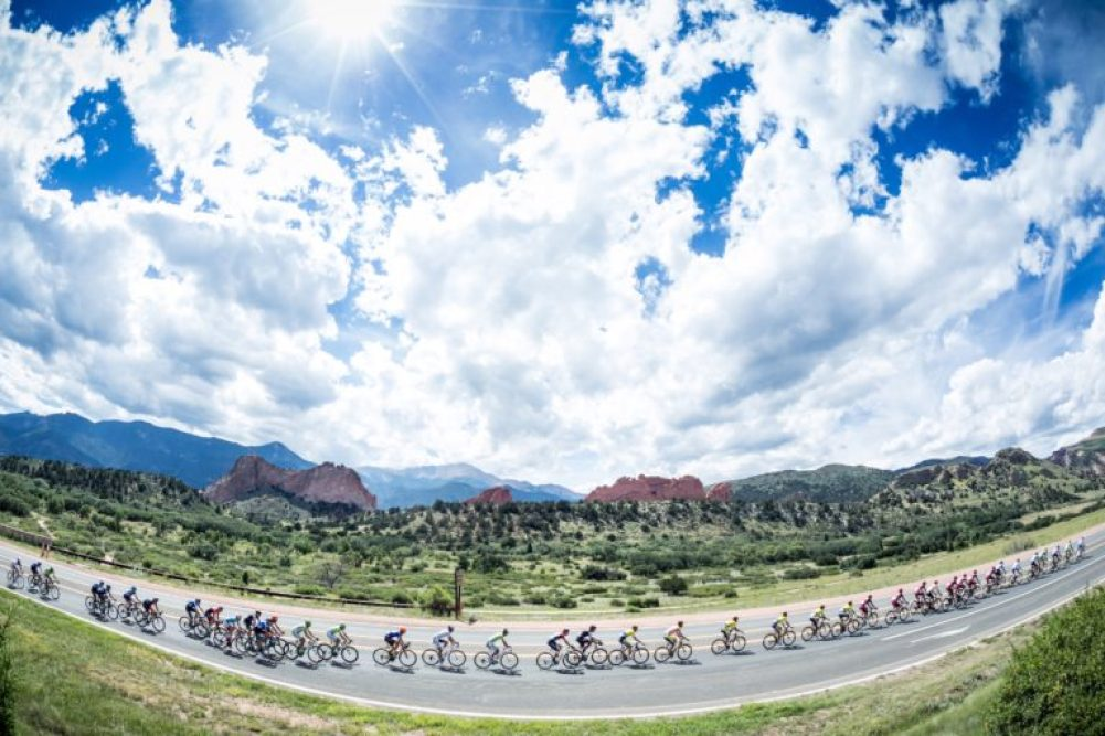 2014 USA ProChallenge Stage 04 Peloton with Garden of the Gods backdrop