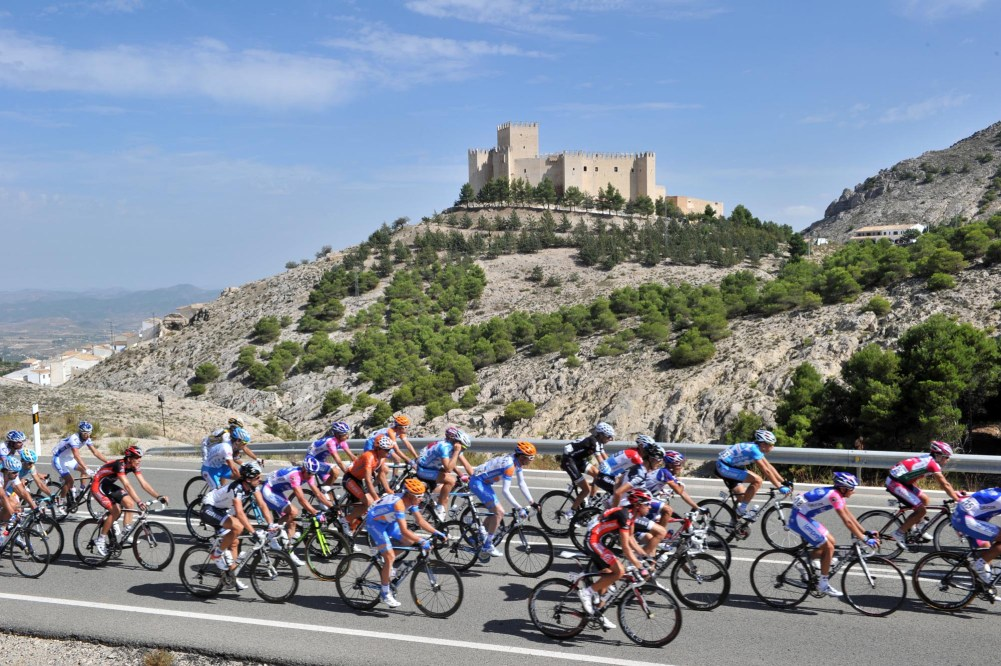 THE PELOTON ON STAGE FIVE OF THE TOUR OF SPAIN