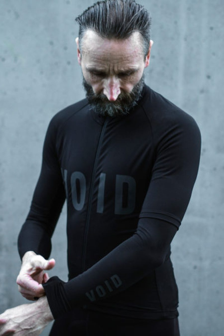 Void-Cycling_Armour_waterproof-windproof-wet-weather-road-cycling-kit-apparel_get-dressed-400x600