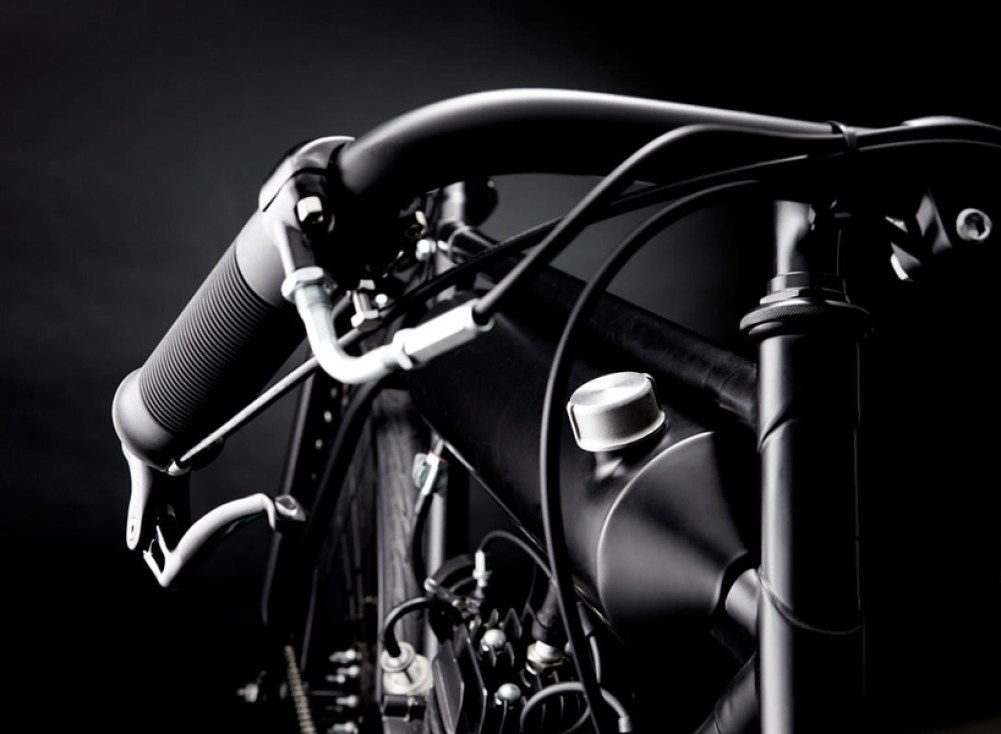 screaming-pigeon-motorized-bicycle-designboom-022