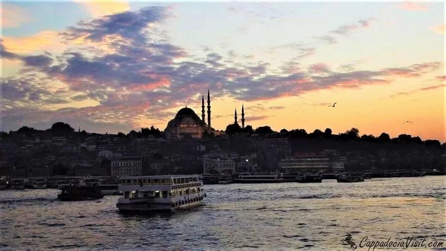 Красивый закат в Стамбуле