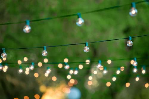 04-outdoor-dinner-parties-lighting