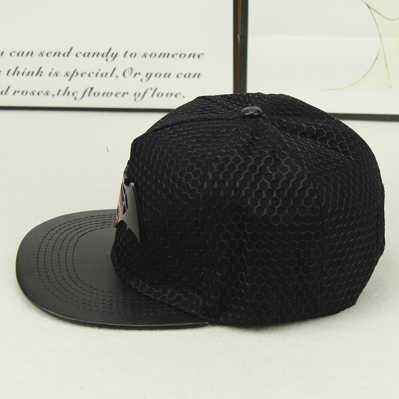 2018 Fashion Superman Batman Snapback Hats For Men Women Summer Baseball Cap  Casual Outdoor Sports Hip Hop Hat Mesh Caps e071d17325c8