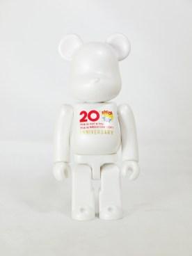bearbrick-s32-basic-pearl-white-01