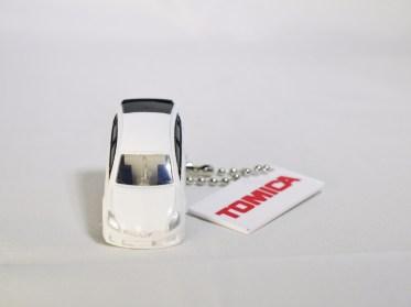 takara_tomy_arts_tomica_led_light_car_keychain_part_1_89521