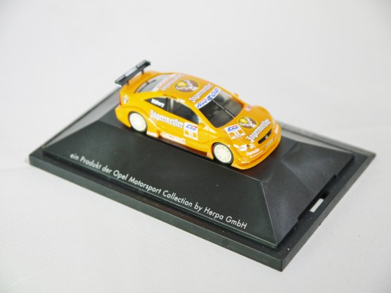 Herpa GmbH - 1-87 Motorsport Collection DTM Opel V8 Coupe E. Helary 05