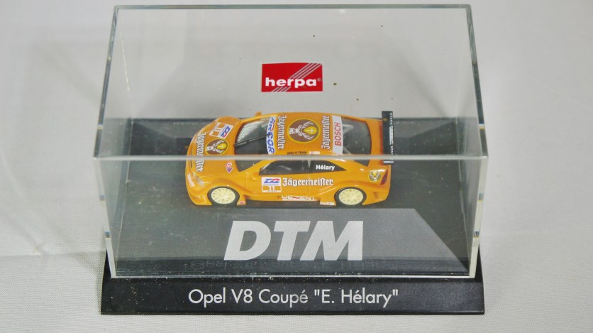 Herpa GmbH - 1-87 Motorsport Collection DTM Opel V8 Coupe E. Helary 10