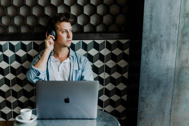 Concentré et décontracté pour être productif