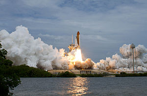 English: Space Shuttle Atlantis is seen as it ...