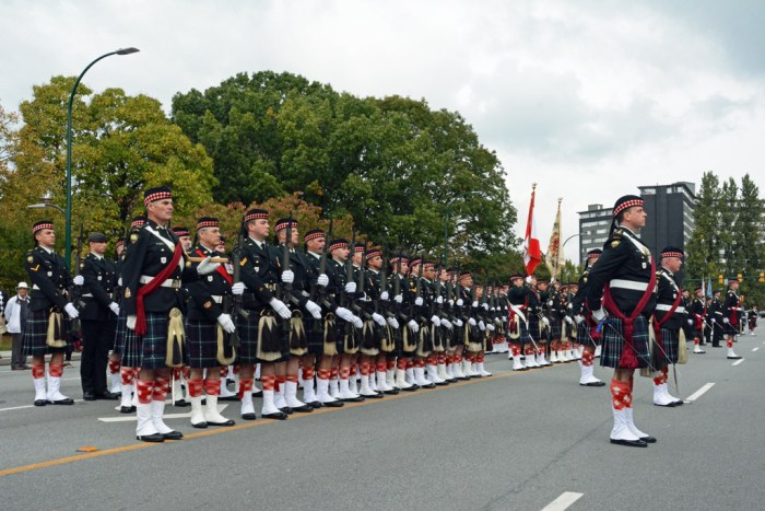 2016-09-24 Seaforth Highlanders of Canada Highland Homecoming - Troops in front of the Seaforth Armoury.