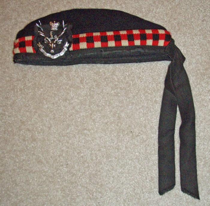 Captain Colin Stevens Glengarry & cap badge