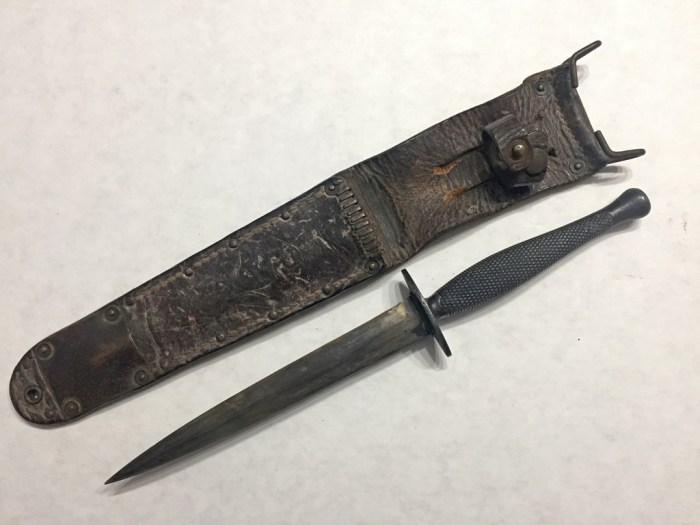 Knife out of scabbard - front