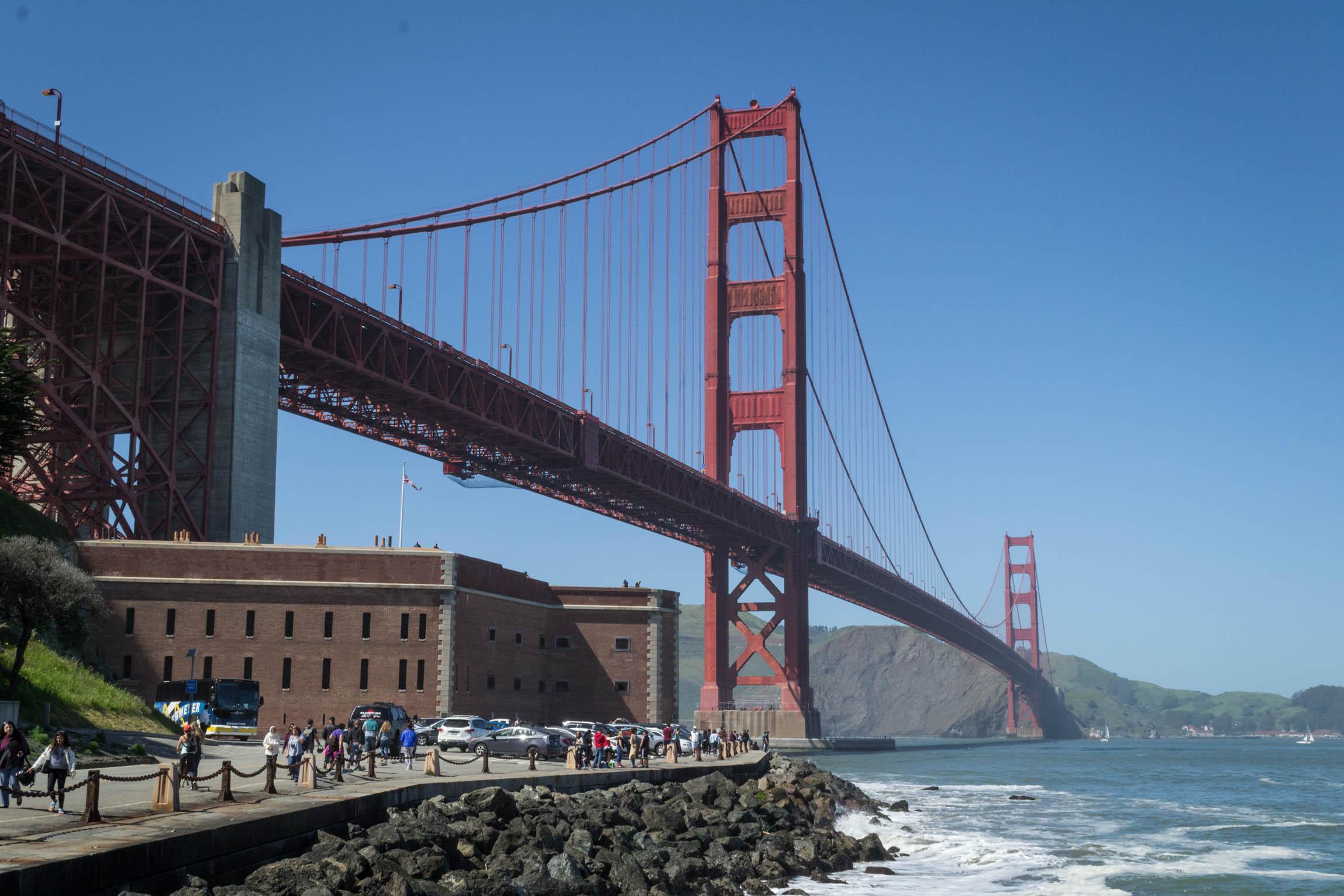 Une vue classique du pont englobant Fort Point