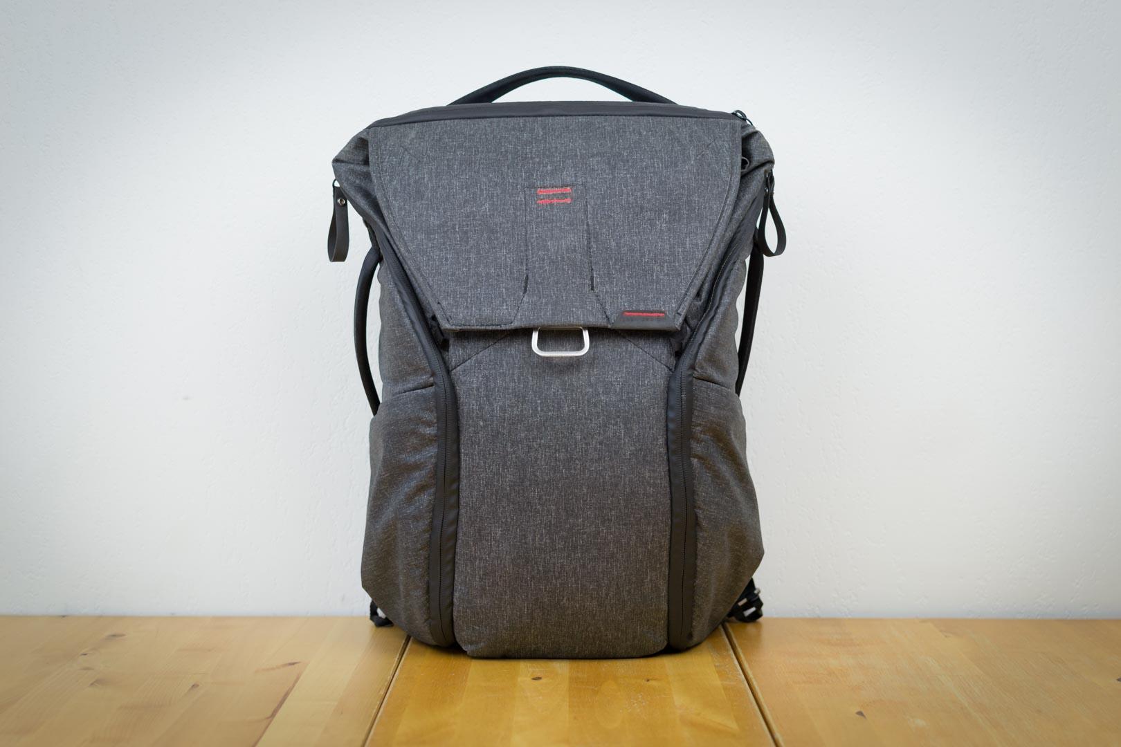 Le sac tient parfaitement debout