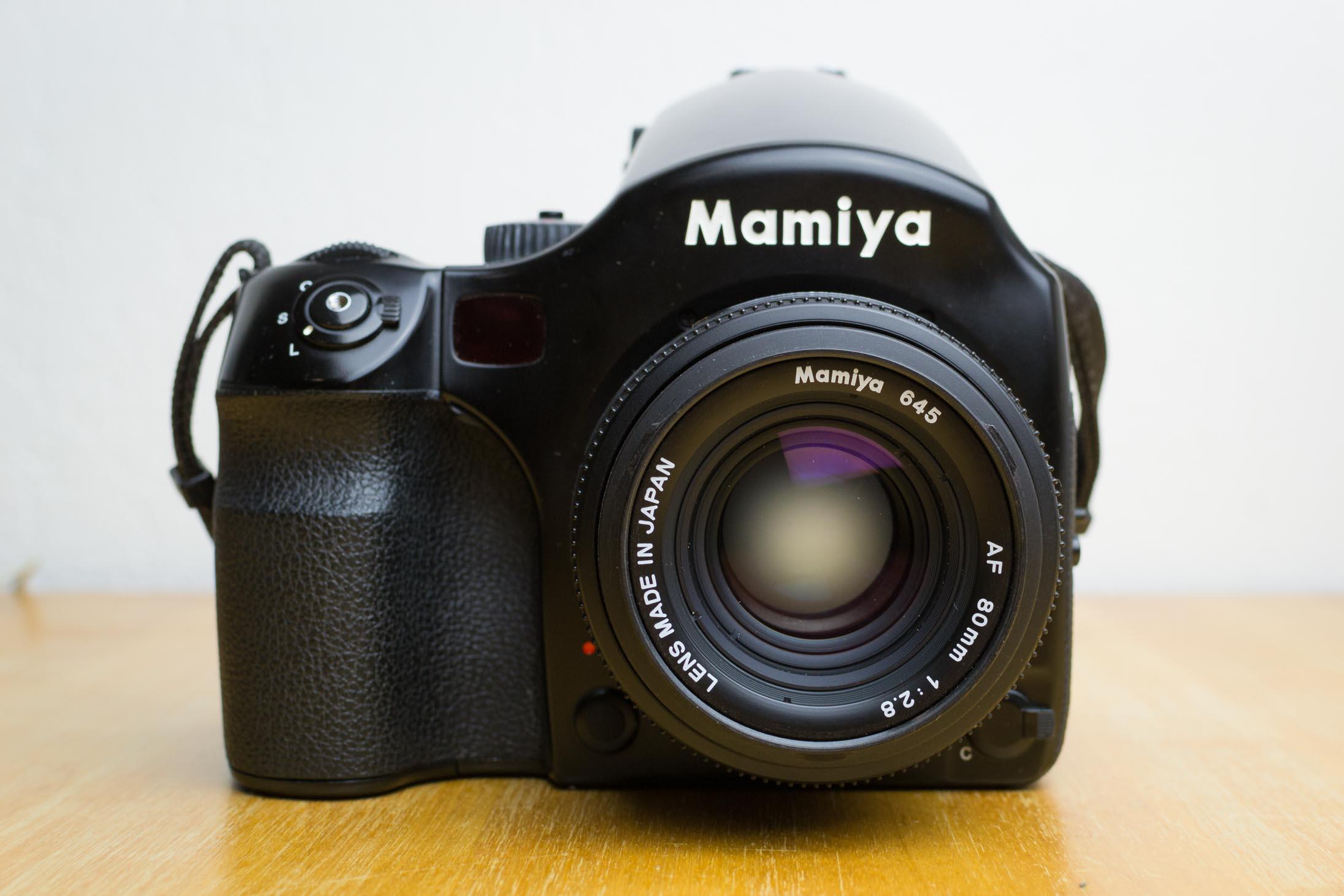 Le Mamiya 645 AF