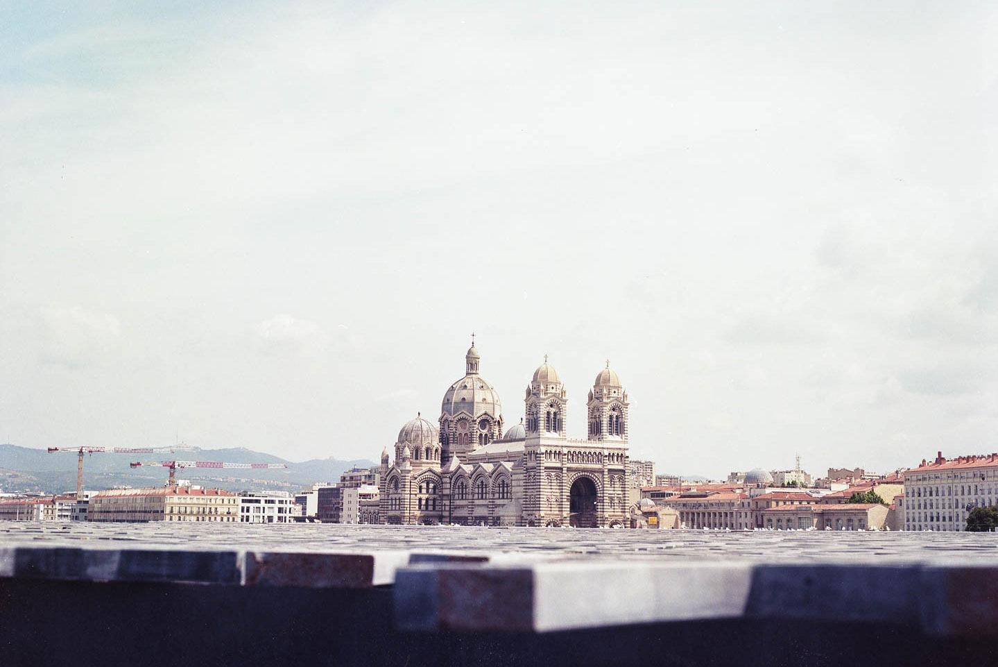 Une image de Marseille, je savais pas quoi mettre d'autre ! ;)