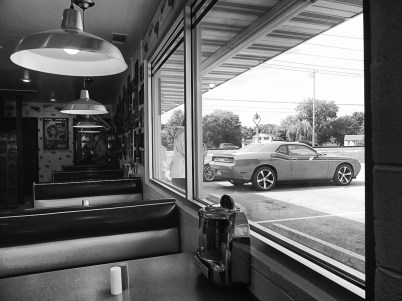 Dans le restaurant Polk-A-Dot