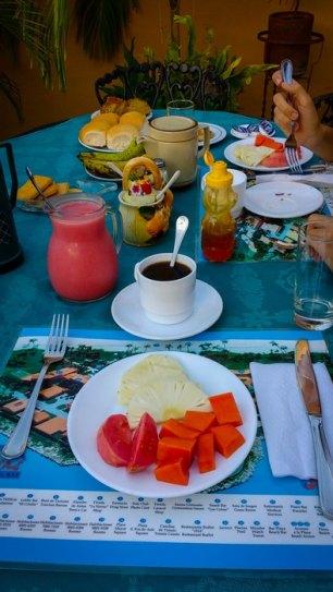 [:es]desayuno casa particular cuba cafe zumo pan mermelada[:en]Breakfast casa particular cuba cafe juice bread jam[:]