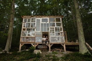reclaimed_glass_house