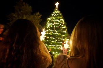 Tree lighting at Pepperdine 5
