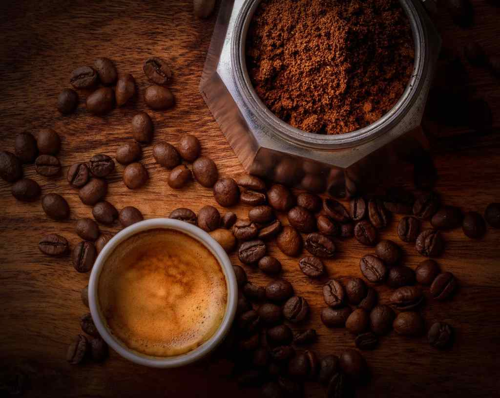 ¿Qué tipo de cafe hay que usar en estas cafeteras?