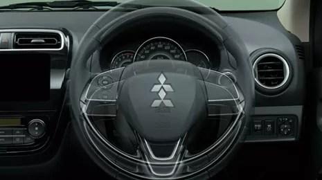新型ミラージュ内装画像ステアリング