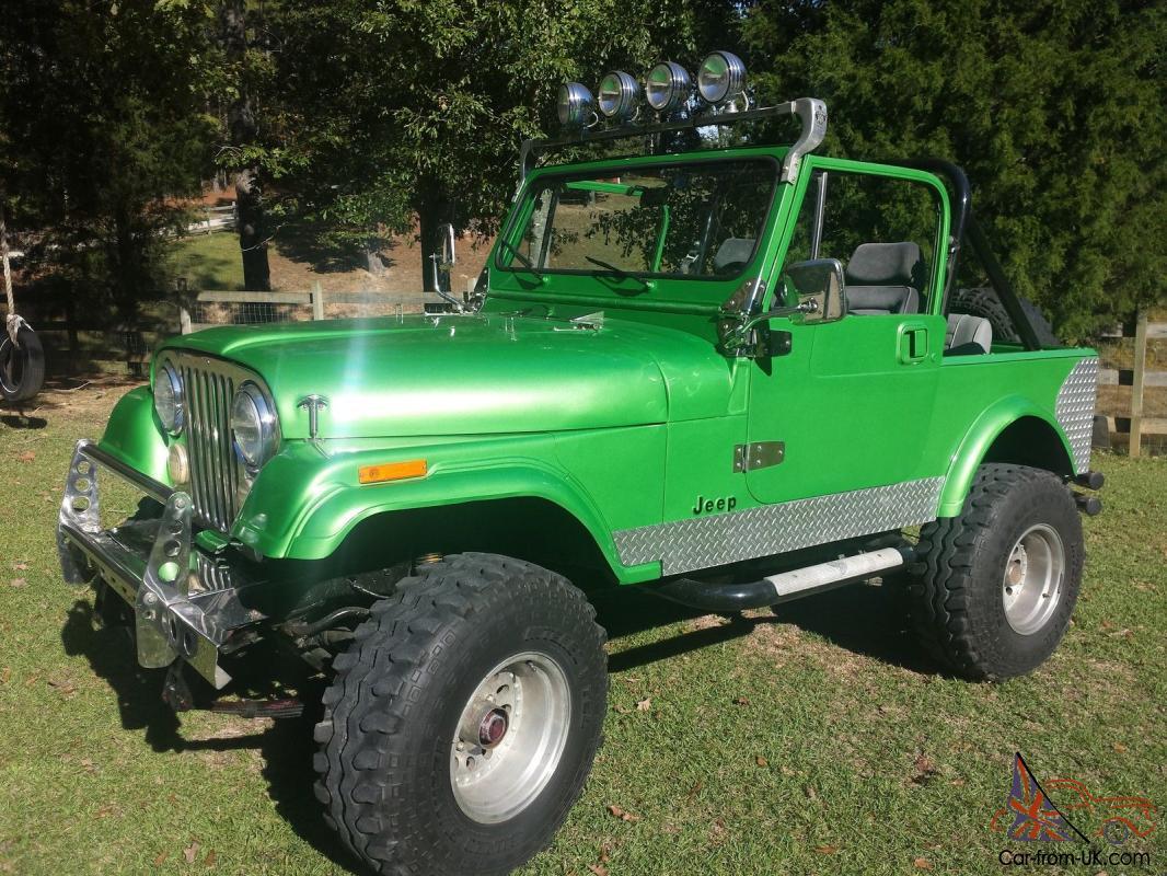 hight resolution of green cj7