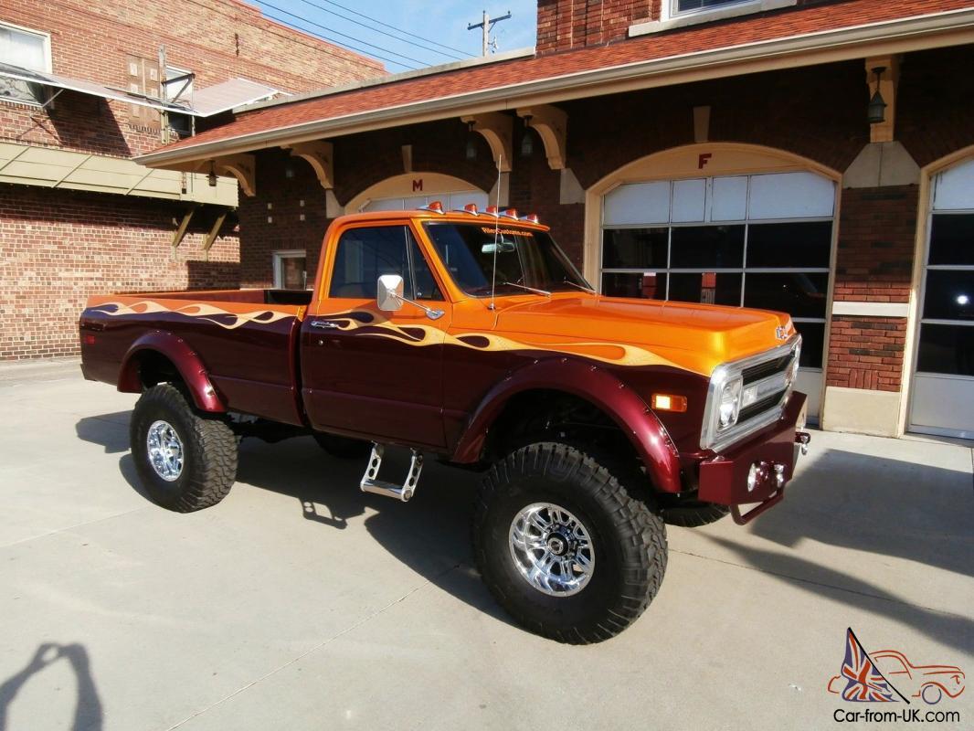 Chevrolet 4x4 Custom Show Truck