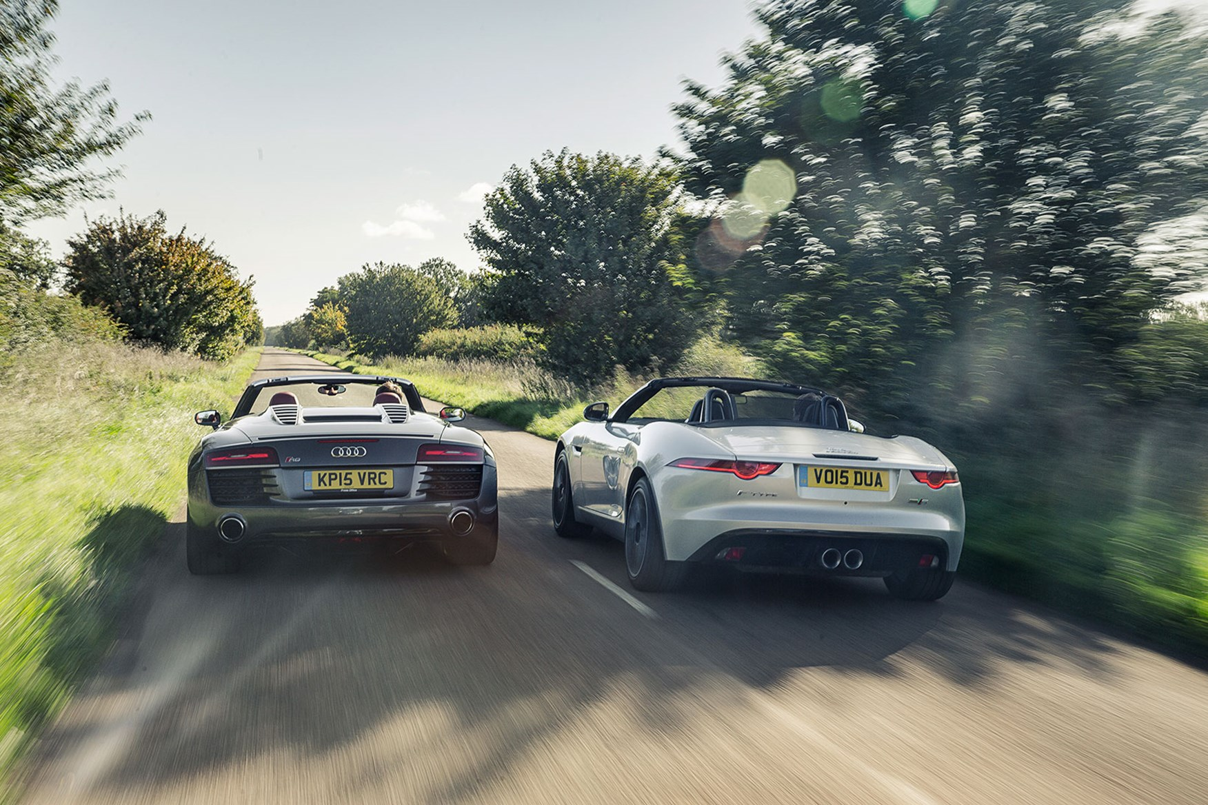jag looks bigger on the road and is indeed longer and taller but r8 [ 1700 x 1088 Pixel ]