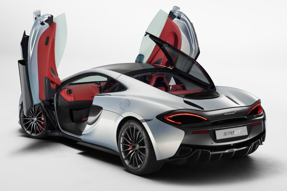 medium resolution of the glass rear hatch opens to allow for loading from the kerb