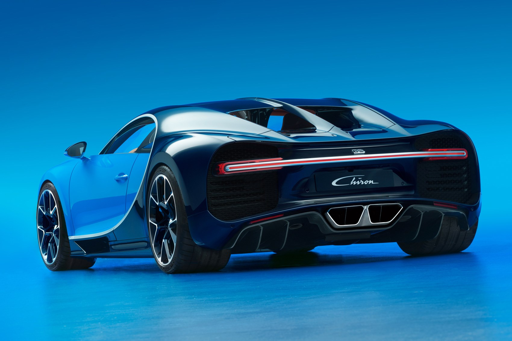 Bugatti Chiron Revealed At Geneva 2016 The World Has A New Fastest