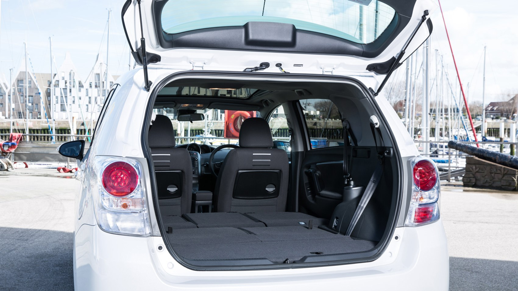 hight resolution of toyota verso boot seats down
