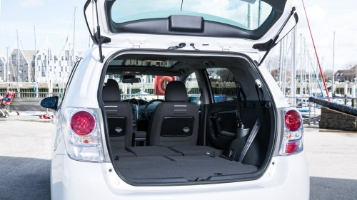 small resolution of toyota verso boot seats down