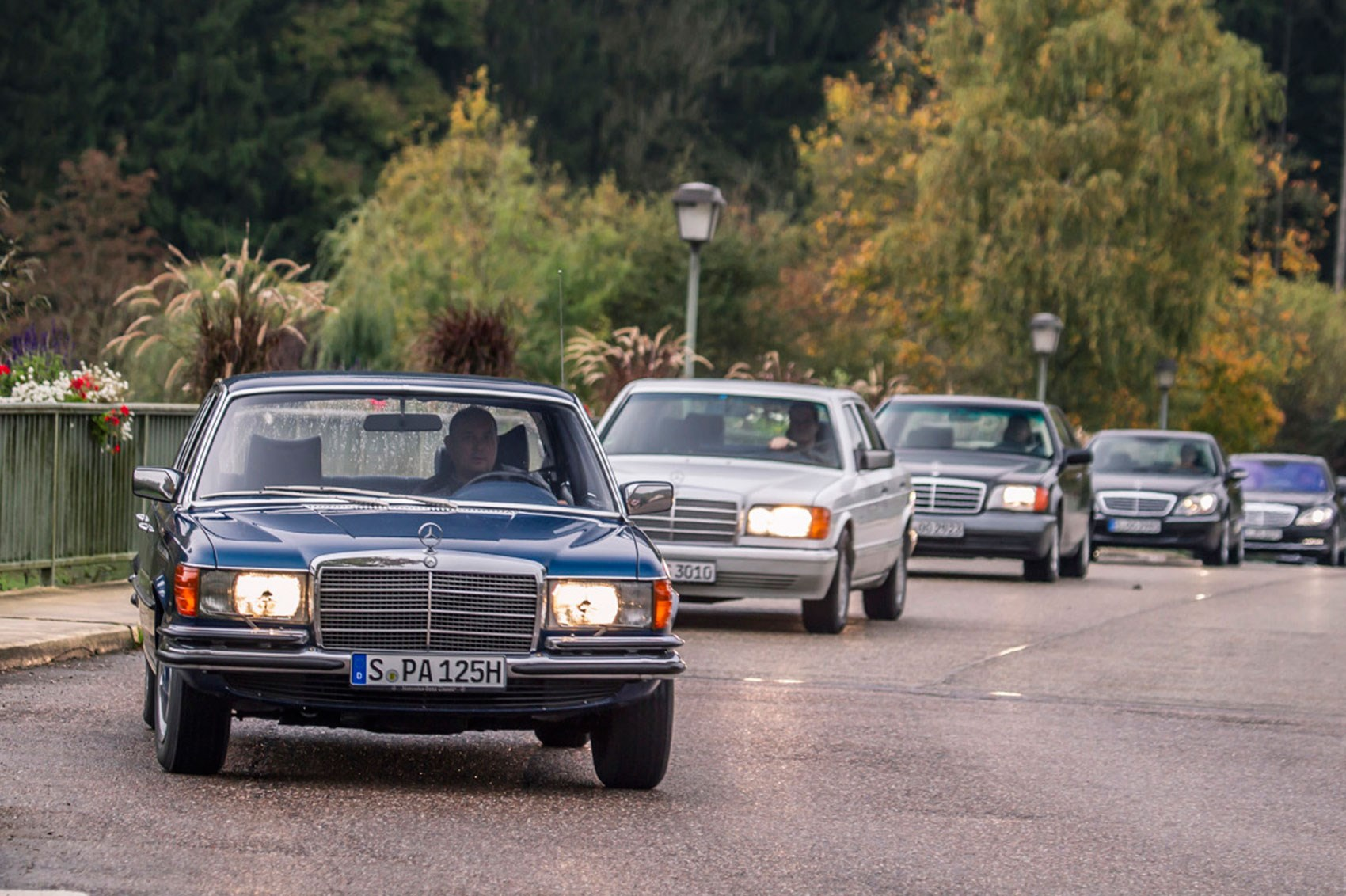 hight resolution of driving all six generations of the mercedes s class on the same roads on the same day doesn t happen too often