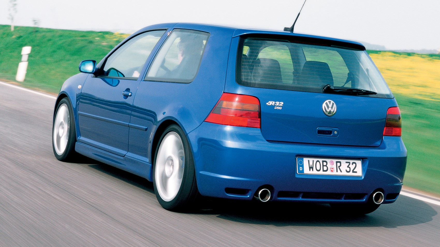 hight resolution of vw golf r32 rear tracking