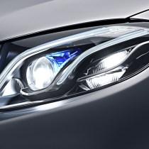 自動車のヘッドライト自動点灯が義務化される理由は?オートライトの仕組みと構造は?