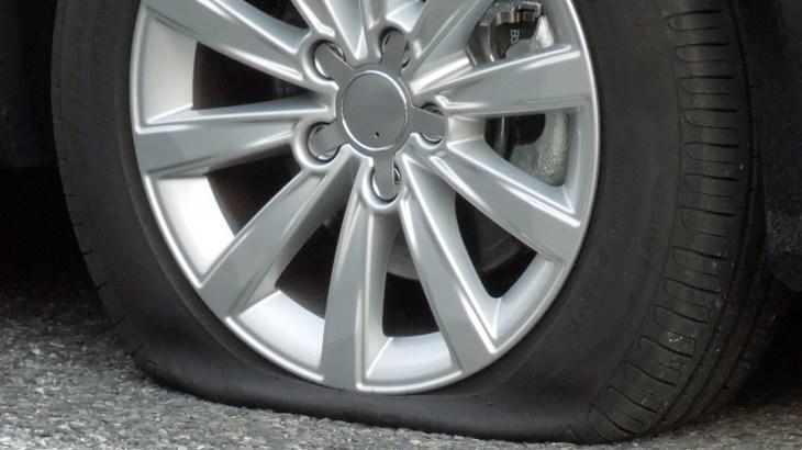 タイヤのゴムキャップの意味は?つけないと空気漏れする?