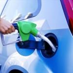 油種間違いによるトラブルは2ヶ月で258件、 「軽自動車には軽油?」「セル フスタンドでうっかり」