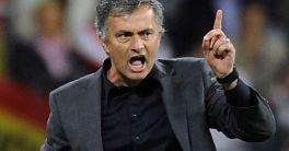 Mourinho Bantah Rumor Yang Menyebutkan Fellani Akan Hengkang