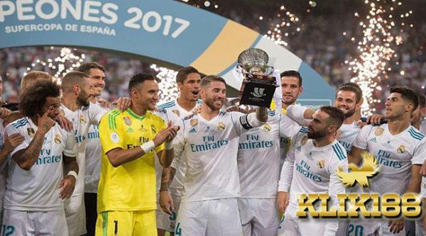 Real Madrid Juara Piala Super Spanyol Usai Bungkam Barcelona 2-0