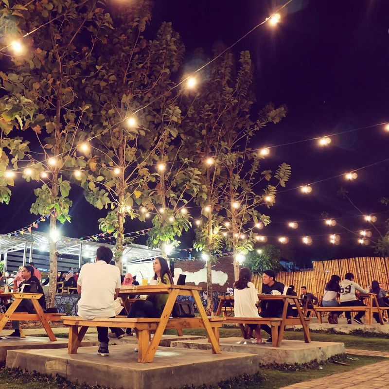 Dekorasi Cafe Outdoor Terbaru