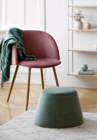 fauteuil et pouf plaid