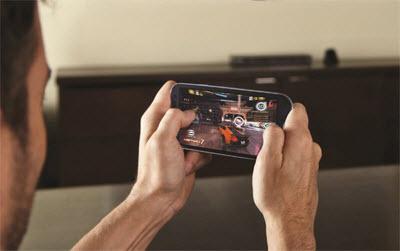 Main Game Online di Smartphone