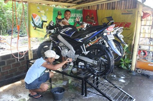 Jasa Cuci Motor