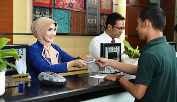 mengajukan kredit ke bank untuk modal bisnis