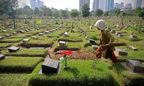 jasa merawat makam